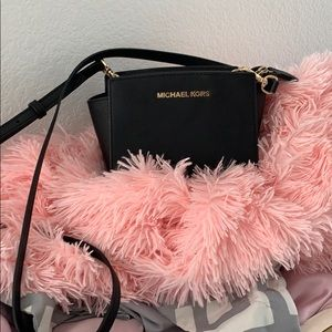 Michael kors mini selma crossbody